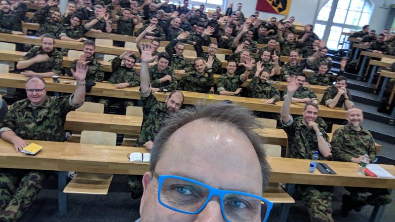 Selfie bei meinem Vortrag bei der Schweizer Armee am 7.12.17 in Bern